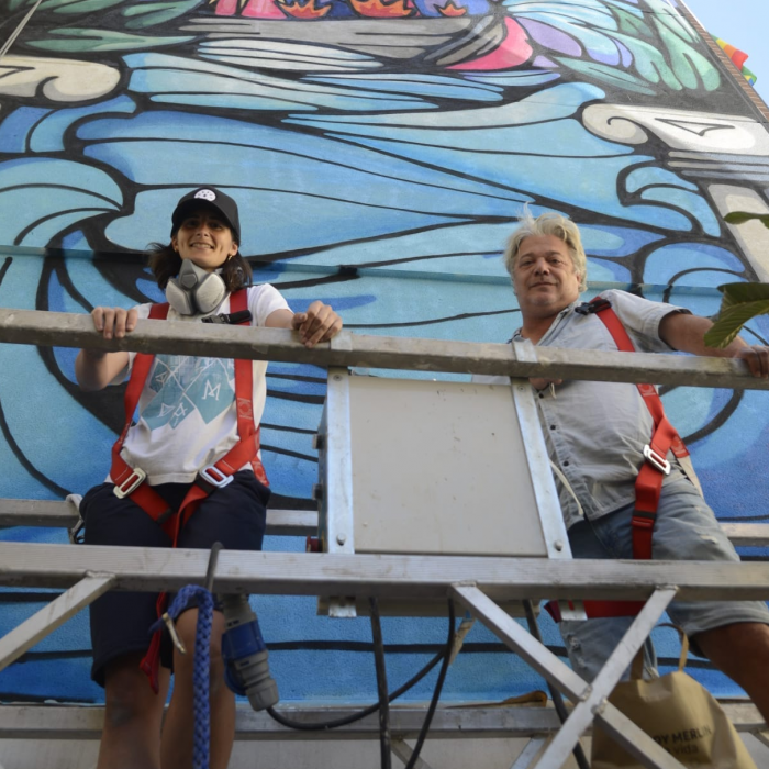 Graphic artist Bosska brings life and color to El Calvario with a new large-format mural